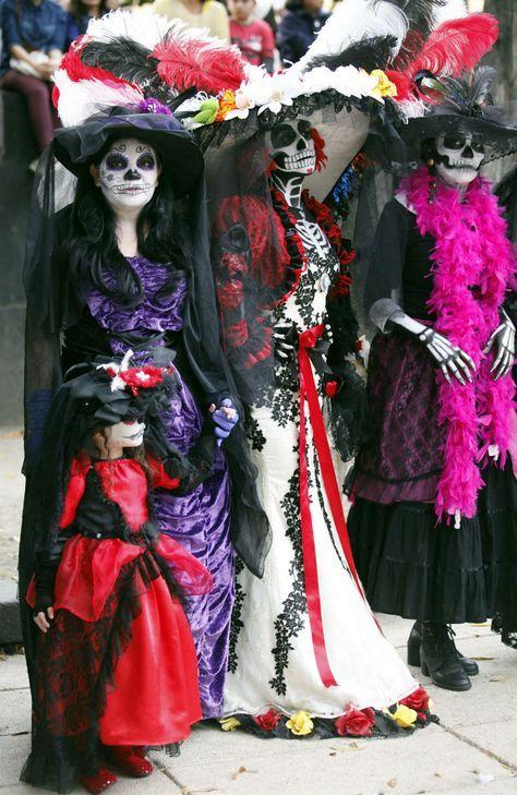 FOTOS Entre color e ingenio, Catrinas rompen récord - Cuauhtémoc - El Universal DF