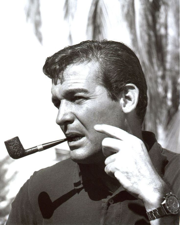Brian Kelly Smoking Pipe Flipper 8x10 photo T1518