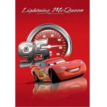 Un film animat popular in randul copiilor, Cars,ii va face cu siguranta placere copilului tau daca va fi pus pe un covor Disney Cars 16 chiar in camera sa. Textura sa moale este un adevarat rasfat, covorul fiind si foarte usor de inretinut.