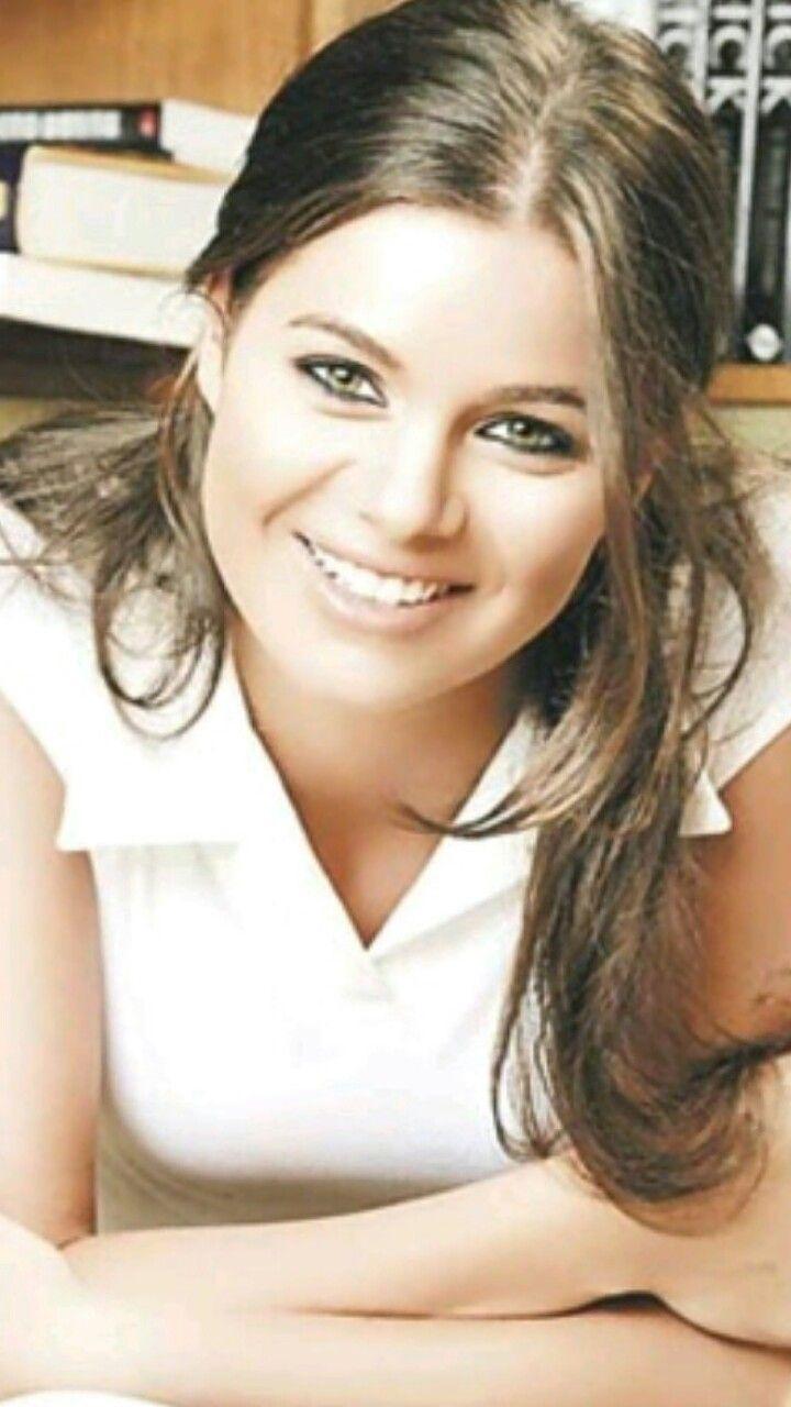 يسرا اللوزي Arabian Beauty Beauty Celebrities