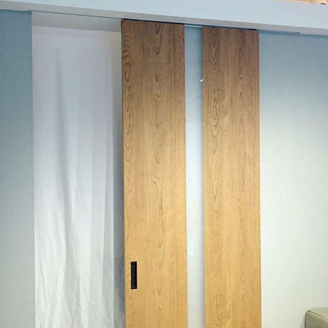 まるで壁の一部 空間に美しくとけこむ 室内ドアの新商品誕生