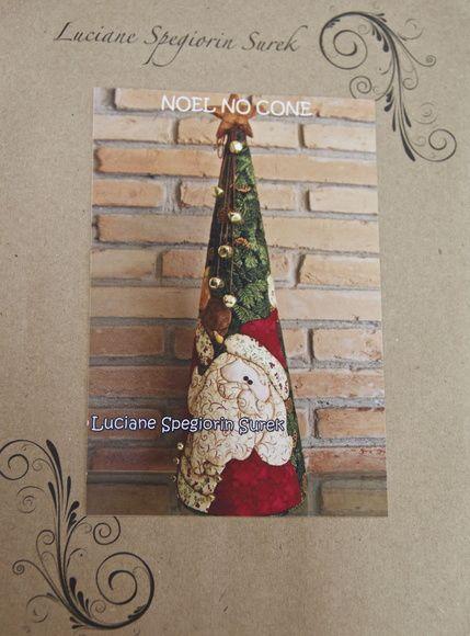 Contém: Risco com o desenho de Papai Noel + Passo a passo + Foto do projeto pronto.