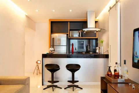 Sala de estar de um apartamento de 50², em Copacabana, Rio de Janeiro. Ambiente projetado por Aline Sampaio Passos.