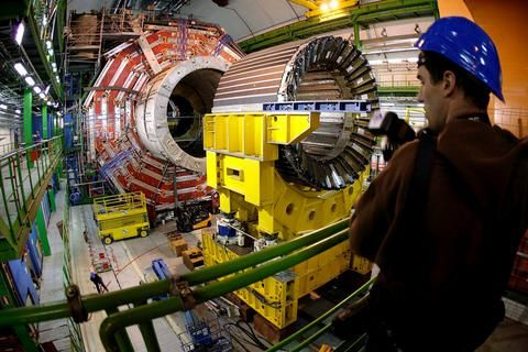 CERN: Σε λειτουργία ξανά ο Μεγάλος Επιταχυντής