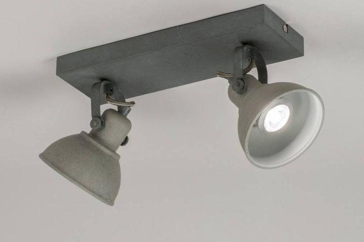 Klik voor de website op deze link : ( http://www.rietveldlicht. ) Verzendkosten gratis . Dimbaar led . Moderne, dubbele plafondspot uitgevoerd in metaal en voorzien van led verlichting. Deze plafondlamp heeft een oude uitstraling en lijkt gemaakt van beton en oud metaal. De twee spots zijn zowel kantel- als draaibaar. Deze plafondlamp kan eventueel ook als wandlamp worden gemonteerd. Voor woonkamer , keuken , slaapkamer .