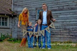 FAMILY Burlap Banner. $18.00, via Etsy. For family pictures