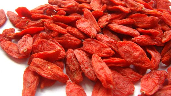With a pleasant taste, goji berries contains a high level of anti-oxidants and benefits eyesight, detoxifies the liver, and boosts the immune system. http://www.visiontimes.com/2015/12/27/chinese-herbal-doctors-recommend-these-five-foods-for-women.html