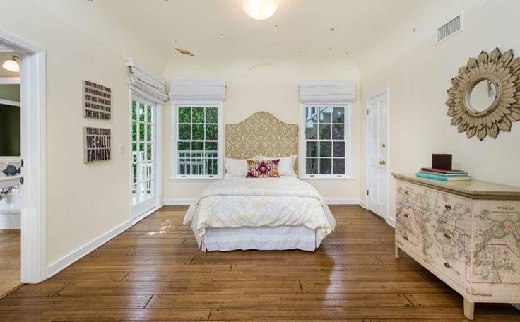 One pretty basic bedroom!
