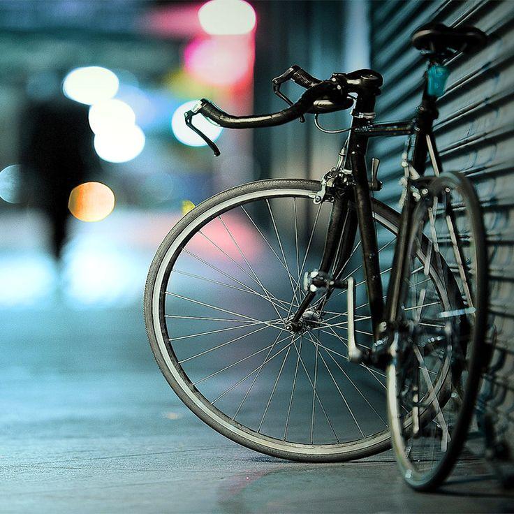 Le persone sono come le biciclette: riescono a mantenere l'equilibrio solo se continuano a muoversi. (Einstein)