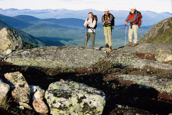 Raid en forêt boréale - sentier de la Traversée de Charlevoix dans la réserve mondiale de la Biosphère - randonnée et ski