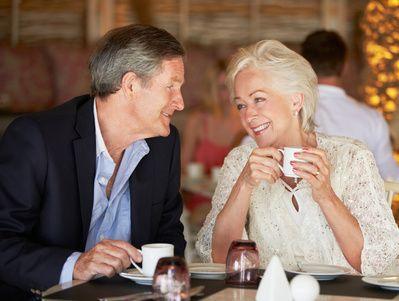 7 Conseils pour réussir un premier rendez-vous après 50 ans