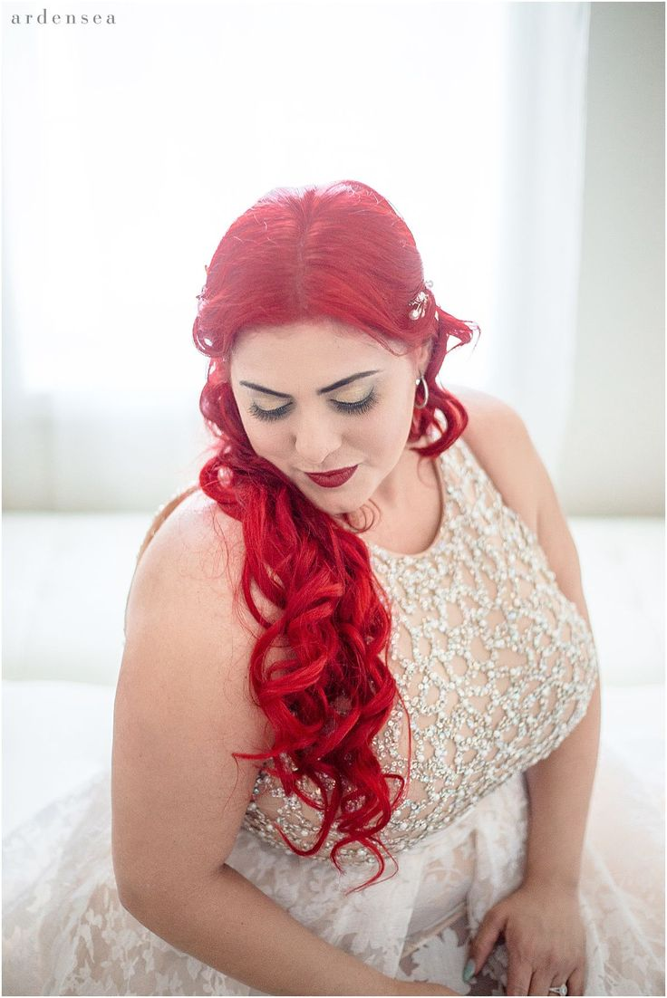 Mermaid Style Wedding Hair and Dress