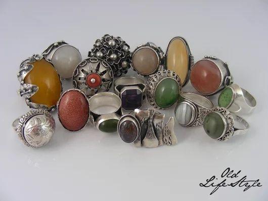 Pierścioneki PRL/ silver rings PRL/ polish vintage jewellery/ polish PRL jewellery/ vintage ring/ vintage silver jewellery #vintagejewellery #polishjewellery #PRLjewellery #polskabiżuteria #polskabiżuteriaPRL #ring #amber #coral #quartz #nephrite #sandstone #ImagoArtis #Rytosztuka #ORNO #Warmet