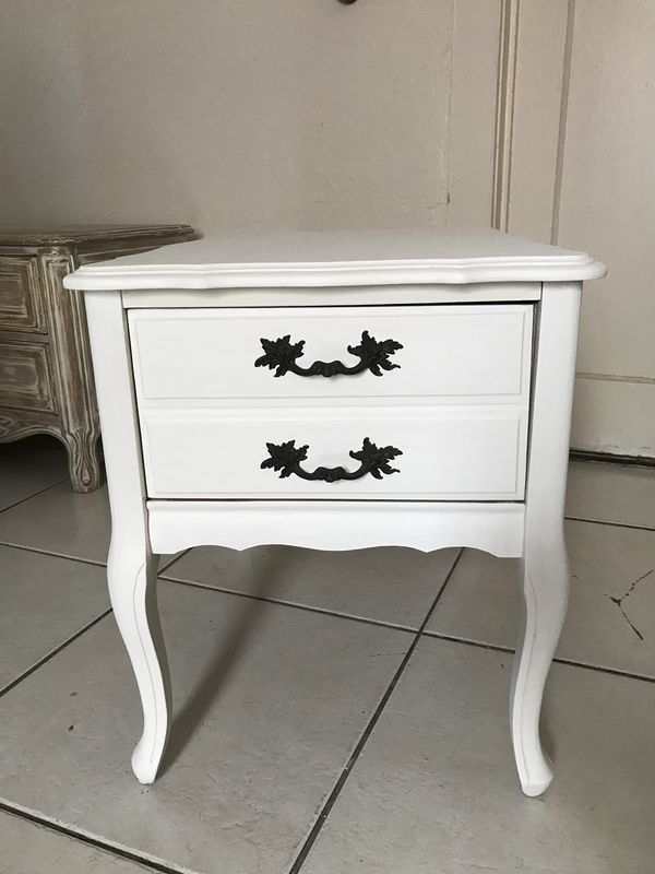 Used Normal Wear Vintage Nightstand 1 Drawers Rustic Bone