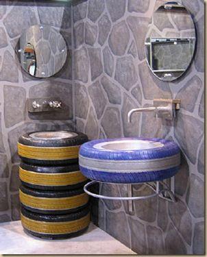 pia e mesa de banheiro com pneu