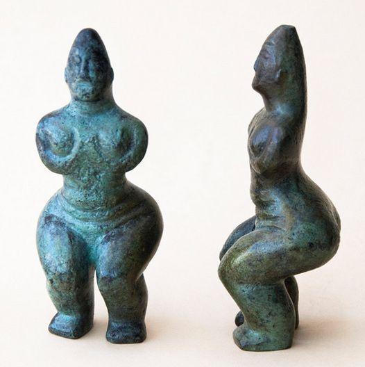 Abstract solid bronze female figurine metal art sculpture Greek Cycladic…