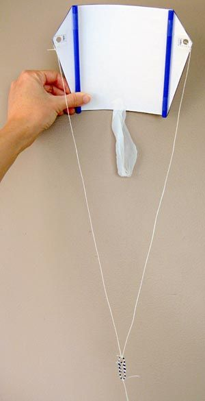 """How can you get the best flight from your kite? In the """"Let's Go Fly a Kite!"""" #science project, students make a sled kite and test how different variables affect flight. [Source: Science Buddies, http://www.sciencebuddies.org/science-fair-projects/project_ideas/Aero_p016.shtml?from=Pinterest] #STEM #scienceproject #kite"""
