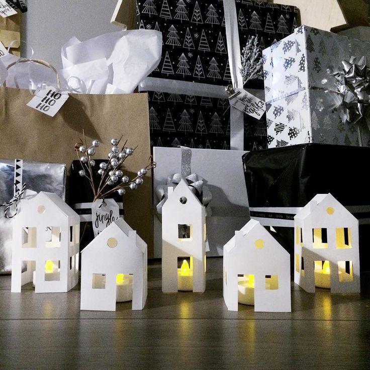 #christmas #christmasdecor #noel #merrychristmas #joyeuxnoel #villagedenoel #christmasvillage #paperhouses #minimalistchristmas #scandinavianchristmas