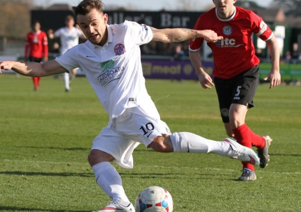 AFC Fylde fought their way back to the top of the Vanarama Conference North table thanks to a solitary goal from Danny Lloyd seven minutes from time away to Bradford Park Avenue.
