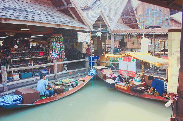 런닝맨에도 나온 수상시장! . . . #태국 #방콕 #파타야 #bangkok #pattaya #수상시장 #여행 #여행스타그램 #tour #tourism #travel #팔로우 #팔로미 #맞팔 #선팔 #f4f #follow #followme #daily #일상 #데일리 #고2 #99 #풍경 #사진 by ha.eun.99