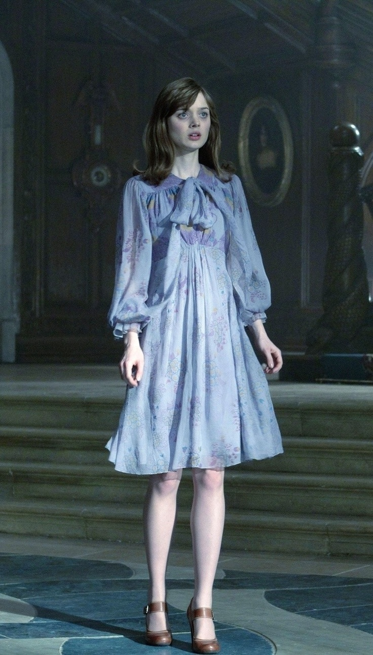 Dark Shadows movie Victoria Winters fashion