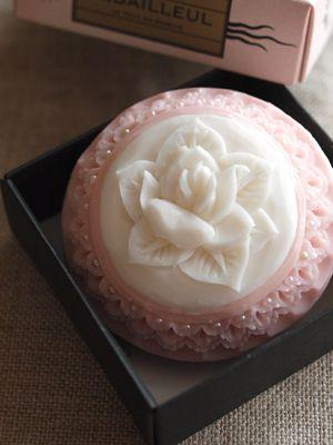 ** Mýdlo s růží **
