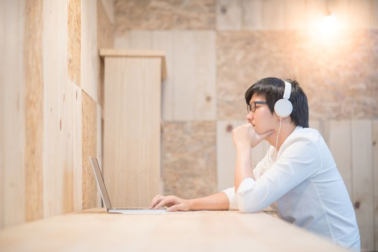 4 Essential Things to Consider When Hiring a Music Promotion Company
