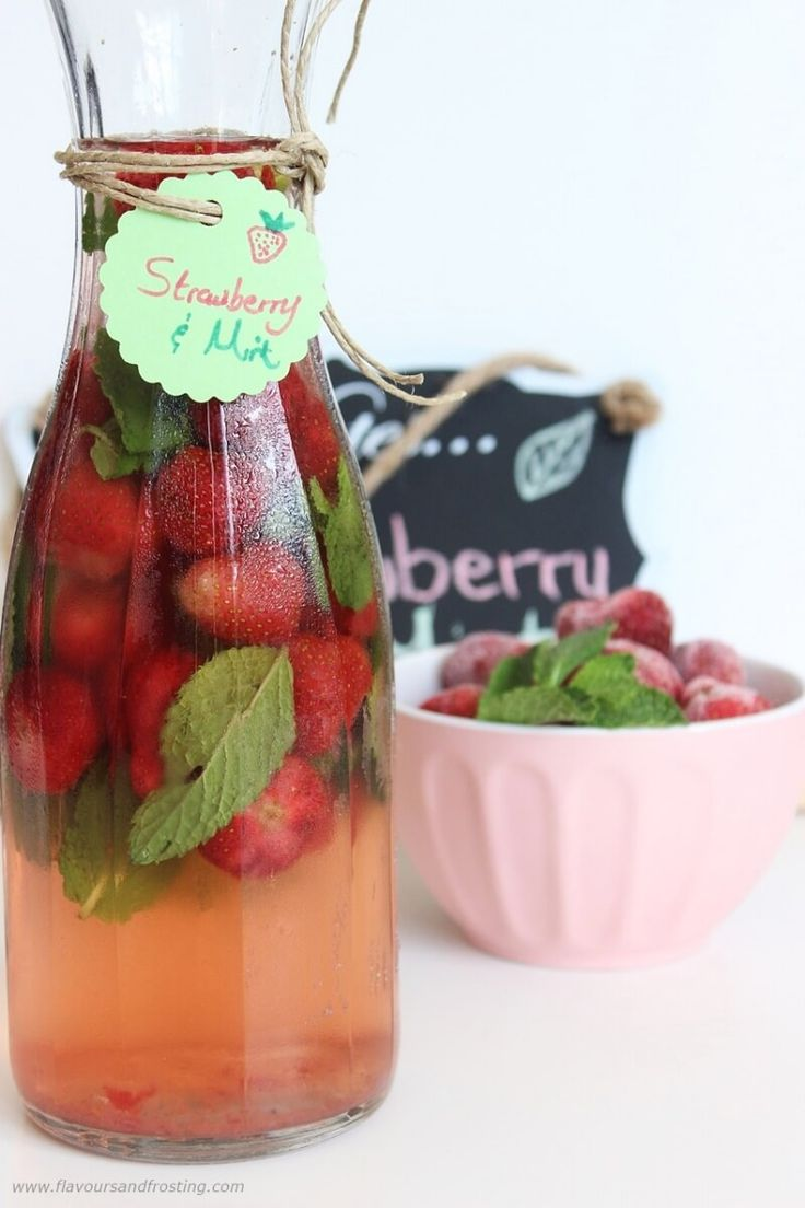 Stawberry and Mint Flavored Water | Recioe by FlavoursandFrosting.com