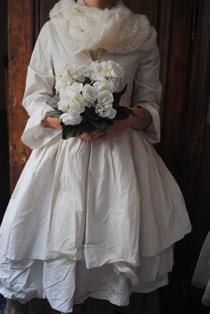 Mlle Fleur : Robe à double volant ecrue...
