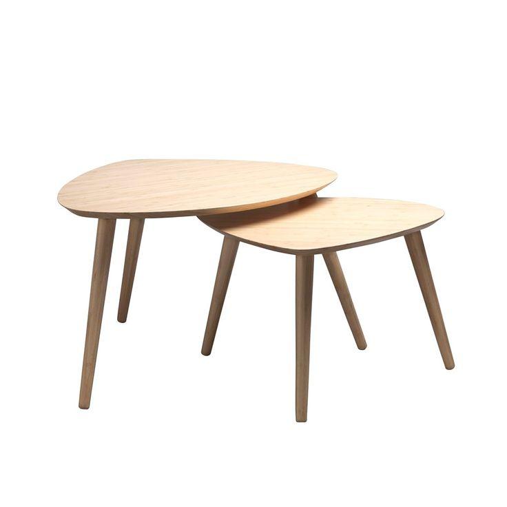FEST Amsterdam Hop Bijzettafel Set van 2 - Bamboe. De tafels zijn gemaakt van organisch bamboe en hebben verschillende afmetingen. De grote tafel is 68 x 57 x 41 cm en de kleine tafel is 55 x 46 x 36 cm.