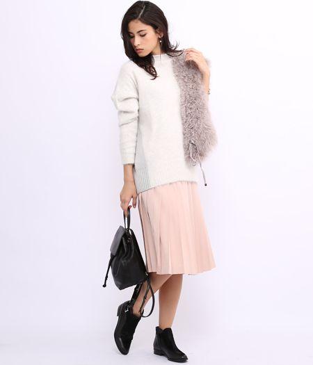 ROPÉ mademoiselle - ロペ マドモアゼル | 淡めピンクのプリーツスカートスタイル(2015/12/29)