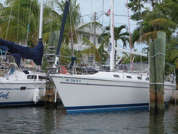 Stay Onboard a 42 Ft. Yacht in the Florida... Sailing
