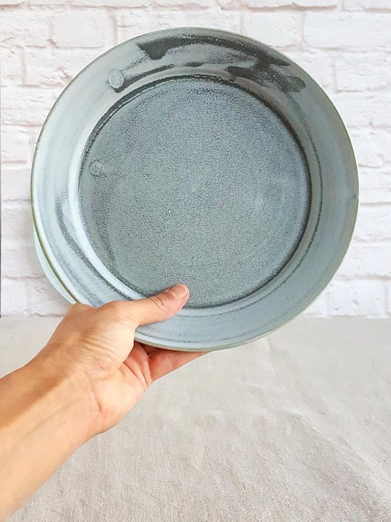 Beautiful matte gray ceramic dinner plates. Ideal for lunch or dinner! Rustic Earthy style that will add warmth to every dining table. Weve found out that a diameter of 10 (25cm) for a dinner plate is IDEAL! #dinnerplateset #ceramicplates