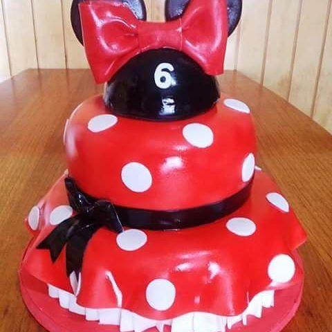 #Minnie #Disney #fondant #Dress #cake by Volován Productos  #instacake #Chile #puq #VolovanProductos #Cakestagram