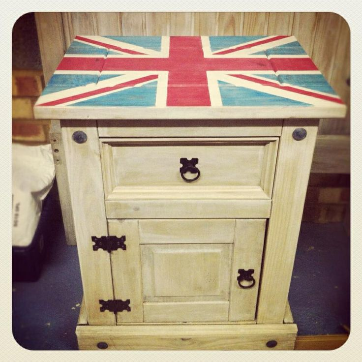 A bedside cabinet to go in my sons London, England themed bedroom. Using paints from Crowns Vintage range.