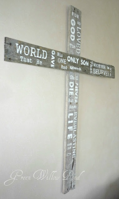 Would love to make this....simple and inspiring.  We even have an old pallet I can use!