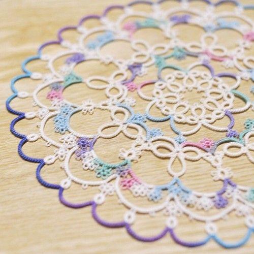 tatting : fairy circle (pattern by Herua) #tatting #handmade #doily Good to do while traveling??