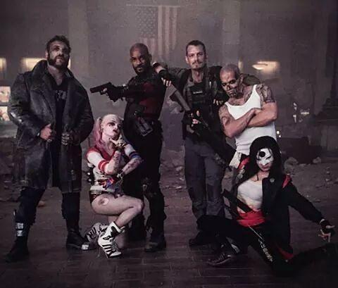 Capitão Bumerangue, Arlequina, Pistoleiro, Rick Flag, El Diablo e Katana nos…