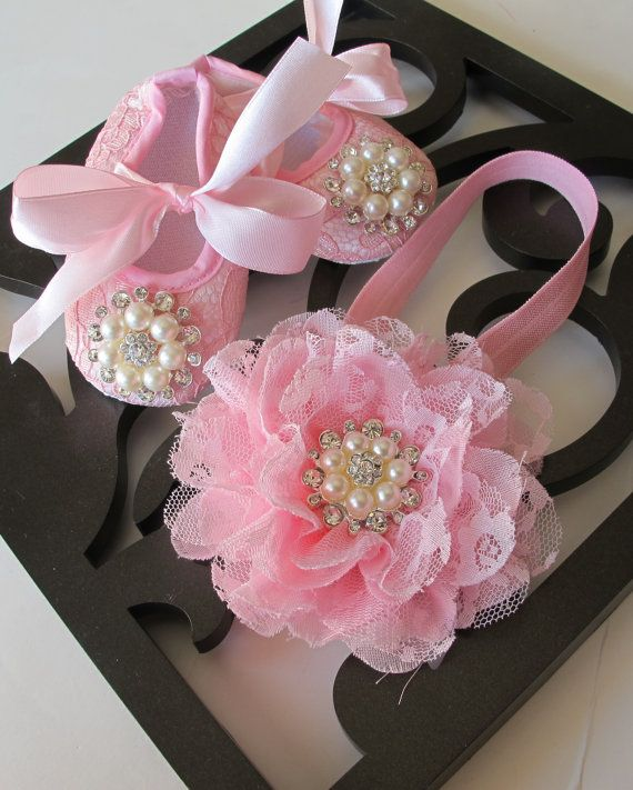 Baby Girl PINK Lace Crib Shoes and headband set, ,Baby Shoes,Christening, Baptism, Wedding, Ready to ship on Etsy, 20,73 €