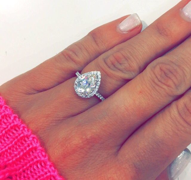 Best 25+ Pear engagement rings ideas on Pinterest | Pear ...