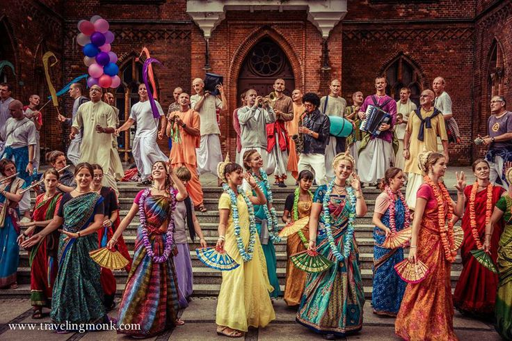 "Should Women be Called ""Prabhu"", ""Mataji"", or ""Devi""?"