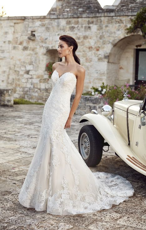 Marta gown from the 2018 Eddy K : Dreams collection, as seen on dressfinder.ca