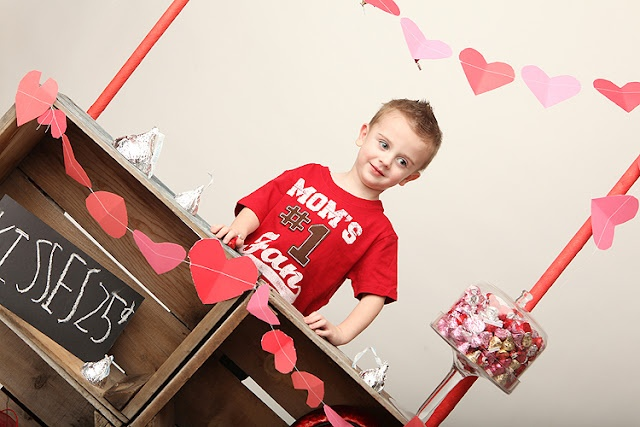 Valentine's Day! Kissing booth!: Valentine'S Day, Vday Ideas, Valentines Minis, Valentines Day