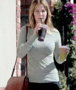 Jennifer Lawrence no Makeup pics VIsit  www.celebgalaxy.com  Celeb Galaxy Features Latest Celebrity News,Celebrity Photos,Celebrity Gossip,Celebrity fashion photos,Celebrity Party Pics,Celeb Families of your Favorite Super stars!