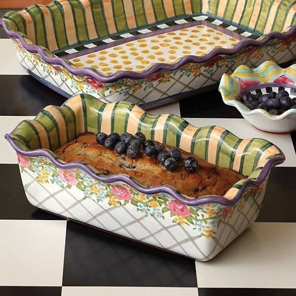 The Farmhouse Loaf Pan - a kitchen staple!