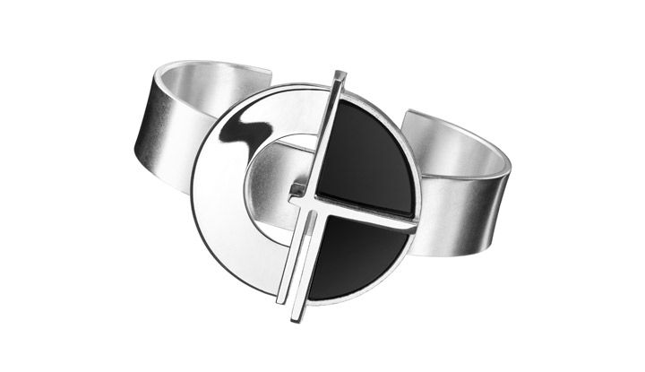 "Ritva Liisa Pohjalainen, new ""Deco"" collection bracelet, in silver with onyx. 
