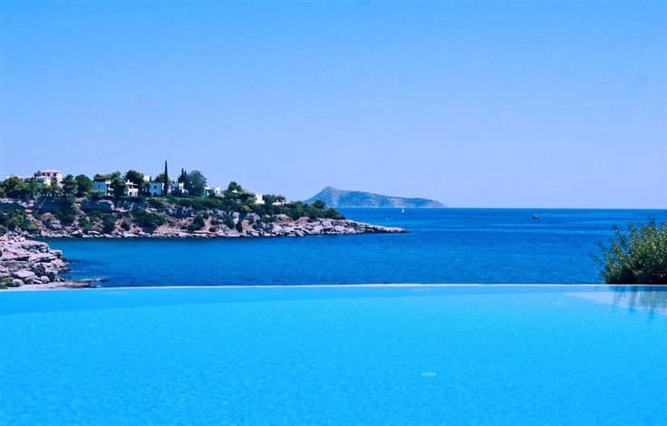 Serenity, relaxation and luxury is what this amazing estate in Porto Heli offers...
