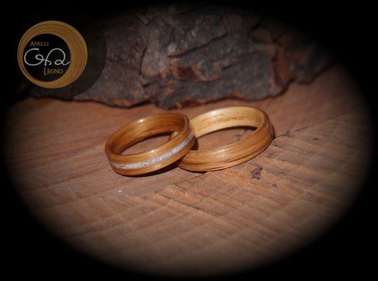 Fedi in Legno per Matrimonio - fede in Legno di Quercia con intarsio in Jada Oive - fede in Legno Bicolore: interno in Frassino esterno in Quercia