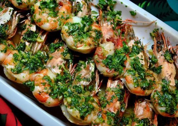 ΓΑΡΙΔΕΣ ΜΕ ΣΚΟΡΔΟΛΑΔΟ  500 γρ. κατεψυγμένες, καθαρισμένες γαρίδες Νερό, αλάτι 2-4 σκελίδες σκόρδο 5 κουταλιές της σούπας λάδι ½ ποτήρι άσπρο κρασί Πιπέρι 2 κουταλιές της σούπας μαϊντανός ψιλοκομμένος  Συνέχεια : http://www.monastiriaka.gr/sidages_details.php?keyi=106&page=1&cat=17854_65098&language=gr