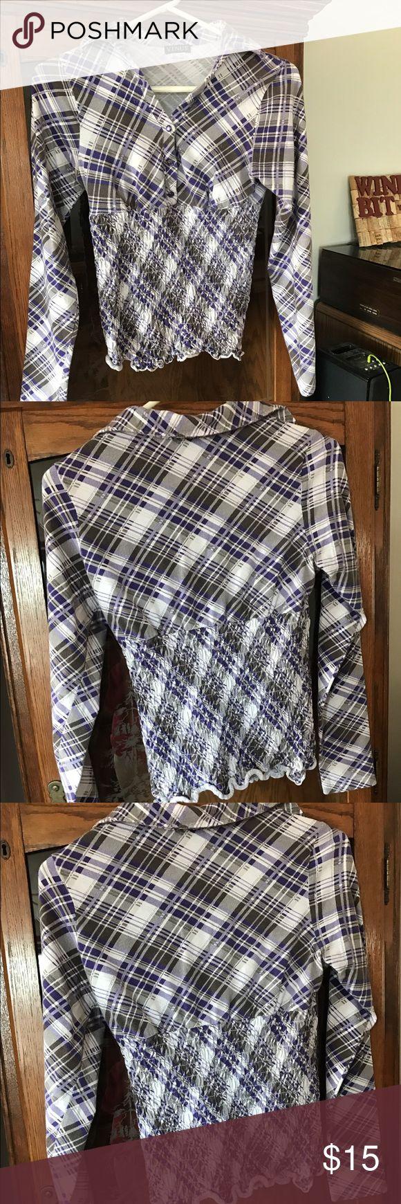 Plaid shirt! Cute plaid shirt! Dress it up or dress it down! Love this shirt! venus Tops Tees - Long Sleeve